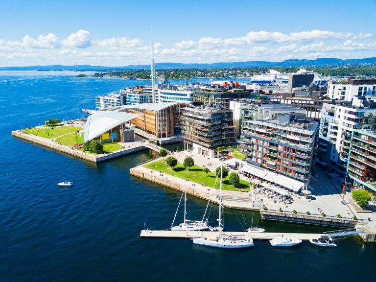 Oslo_Aker_Brygge_shutterstock_793642066 Oslo